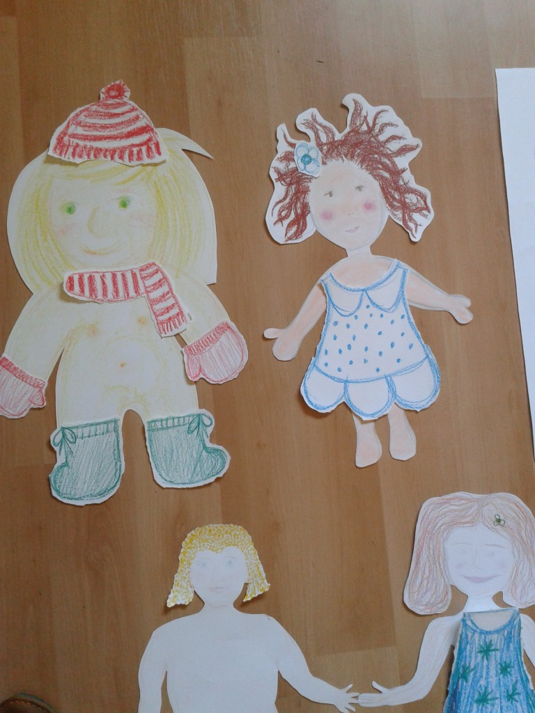 Due to time restrictions, we repeated the exercise with the group in Gran Canaria by creating paper dolls instead